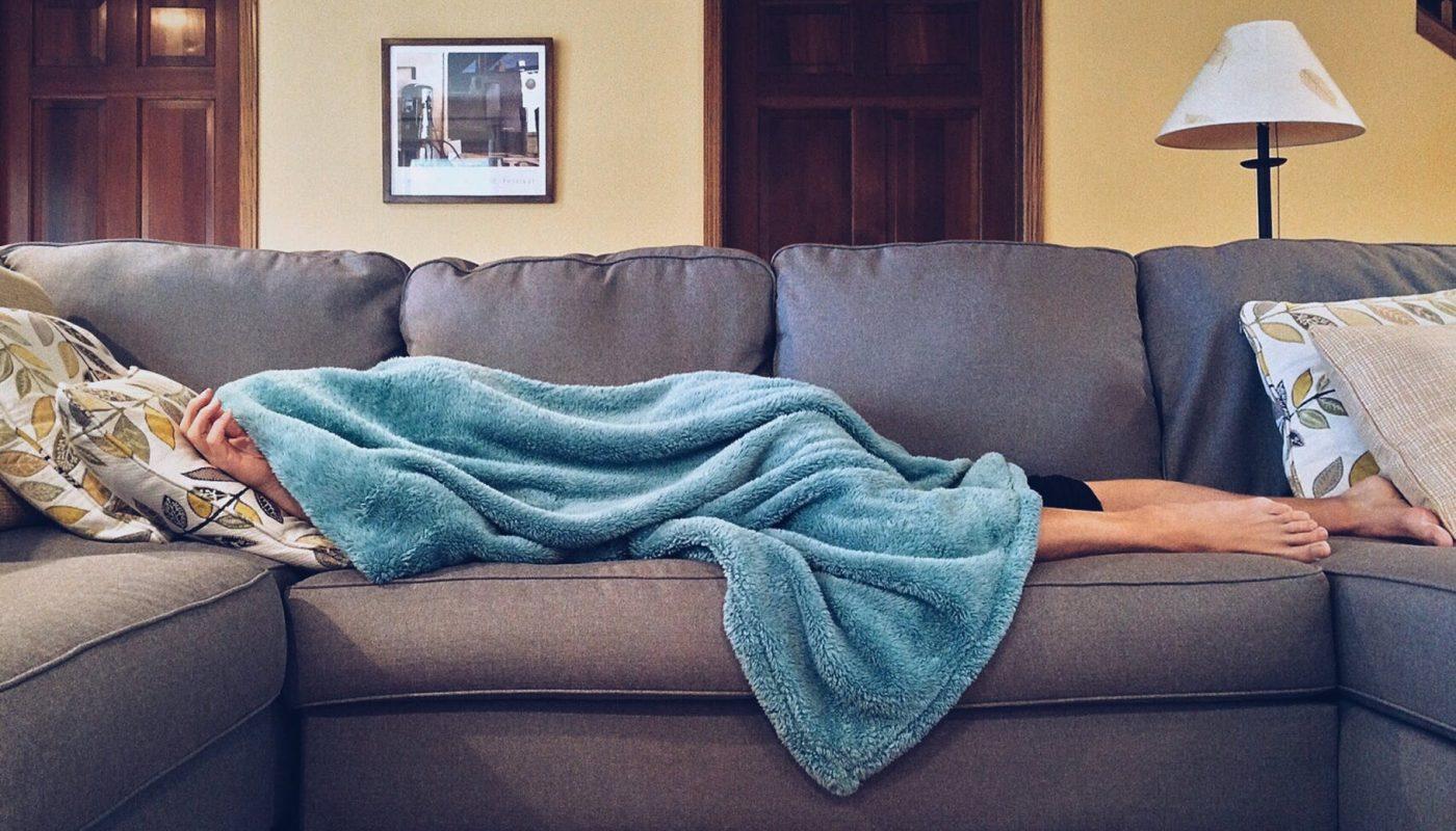 personne dormir canapé